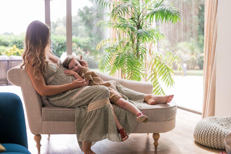 photographe séance grossesse à domicile